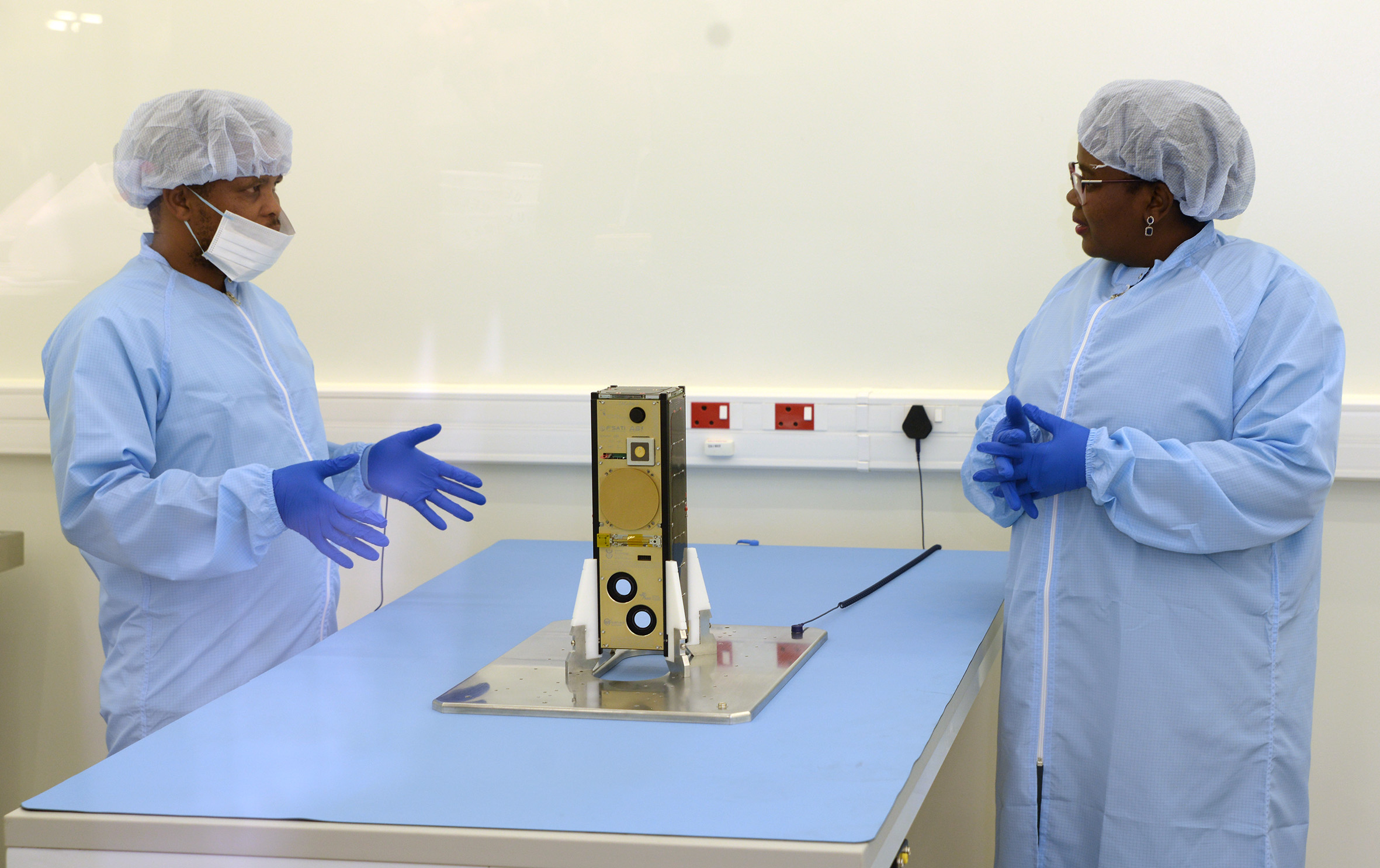 Members of the CPUT Satellite Programme with the satellite.