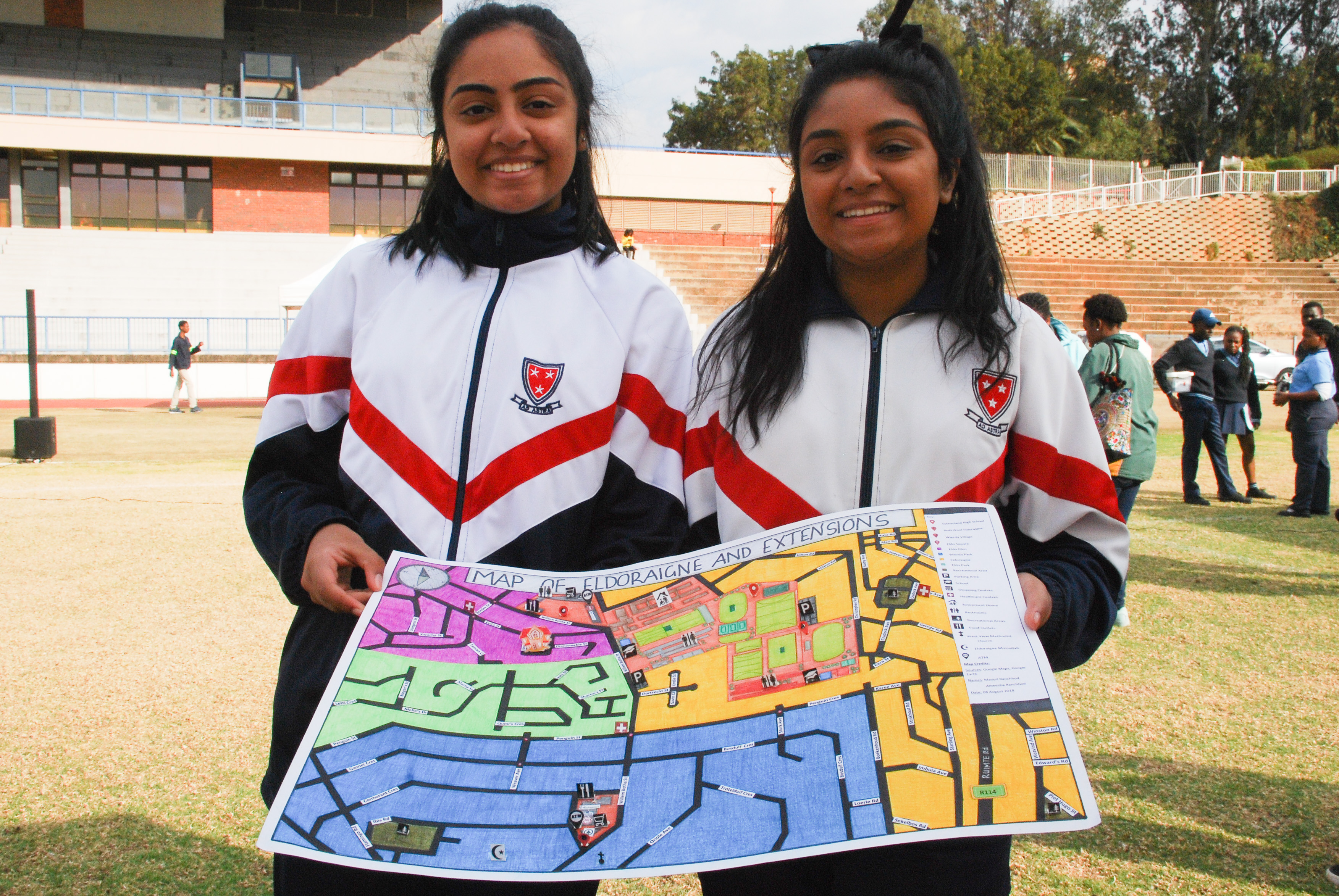 Ameesha and Mayuri Ranchhod, the winners of the mapping competition.