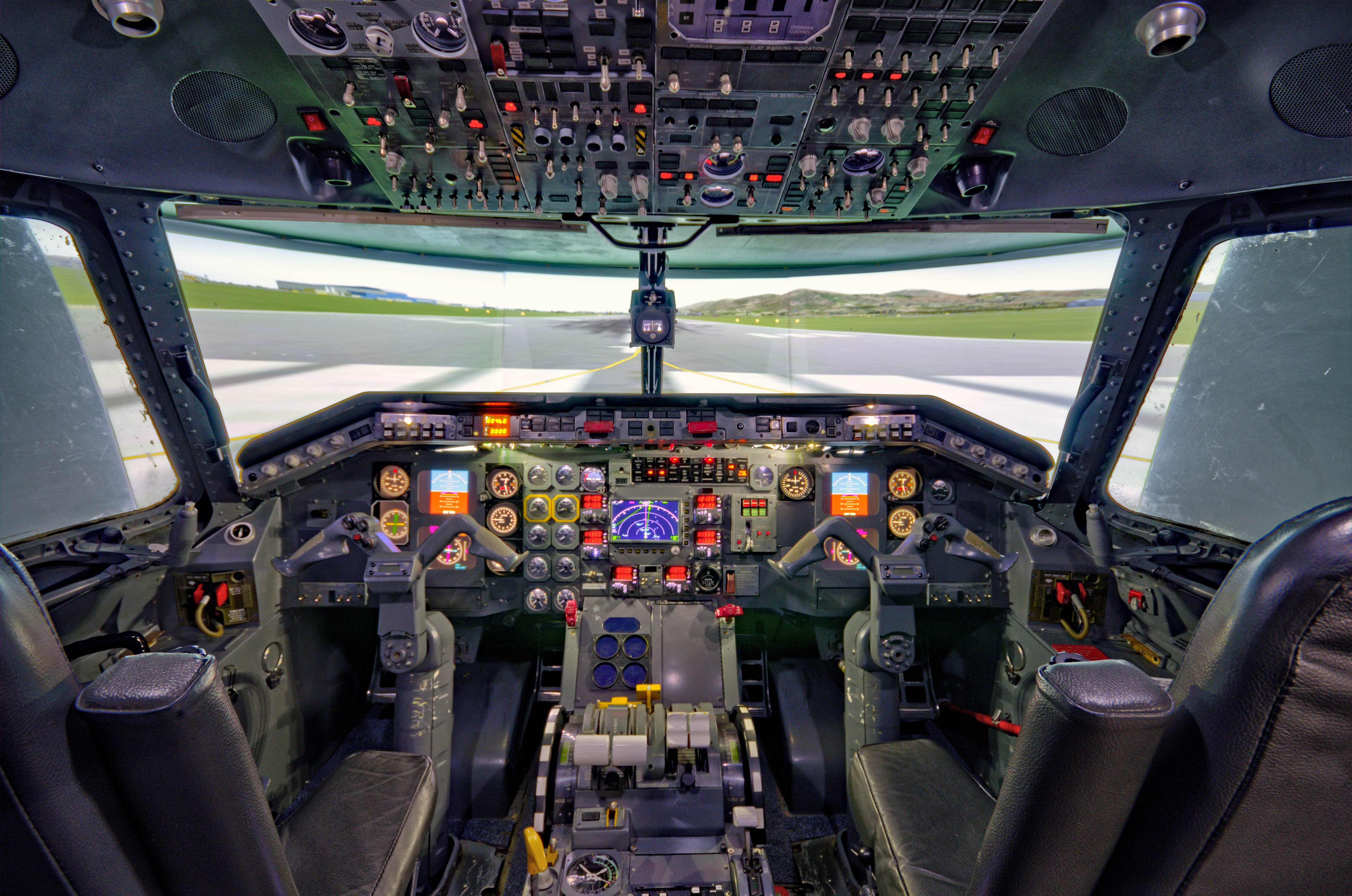 Flight simulator software and programming challenges resolved - EE